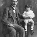 Thomas H Mawson in 1918 with his Grandson Andrew Prentice Mawson (1917-2001) (Mawson family archive).